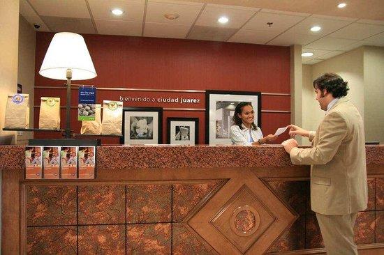 Hampton Inn by Hilton Ciudad Juarez : Front Desk