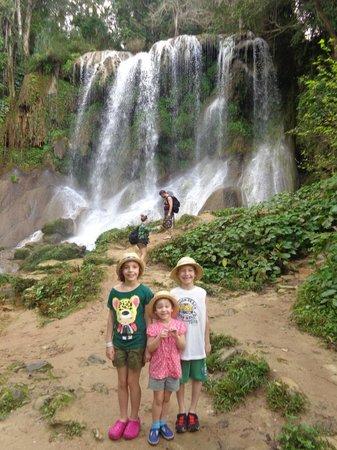 Hotel Rancho Luna: waterfall
