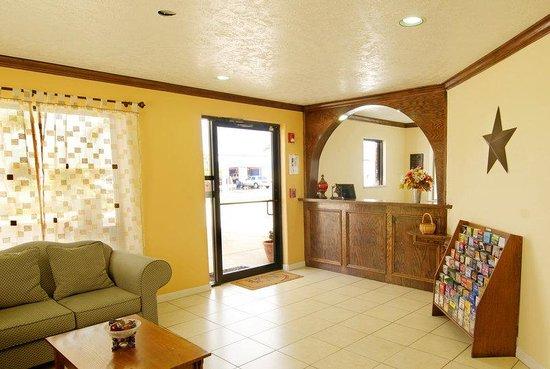Americas Best Value Inn & Suites - Waller/Houston : Lobby