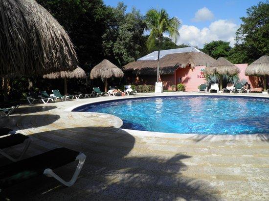 Hotel Riu Lupita : PISCINE