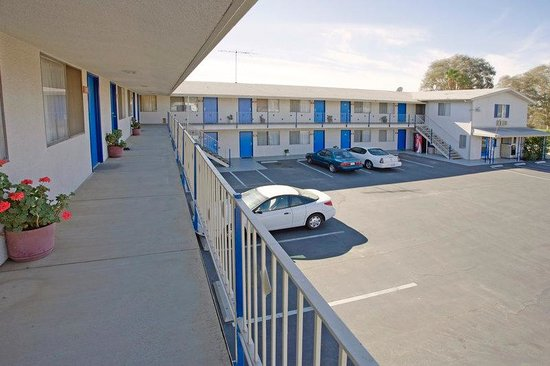 Americas Best Value Inn/Beaumont: Exterior Two