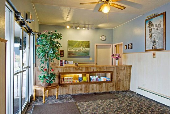 Americas Best Value Inn-Greeley/Evans: Front Desk