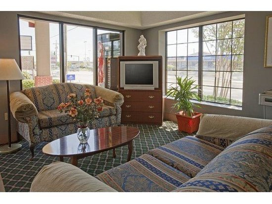 Americas Best Value Inn and Suites : Lobby