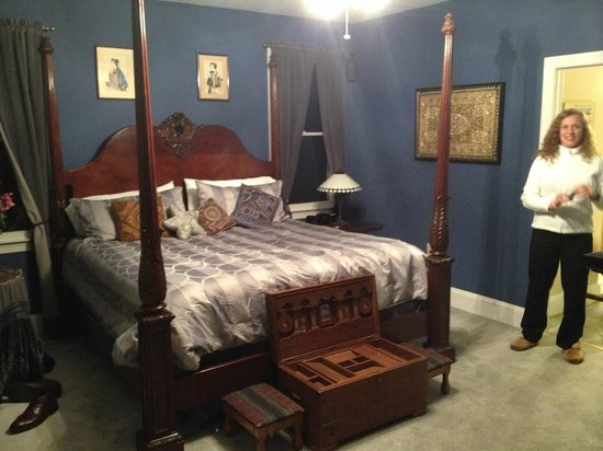 Inn at Moler's Crossroads : The Indigo Room