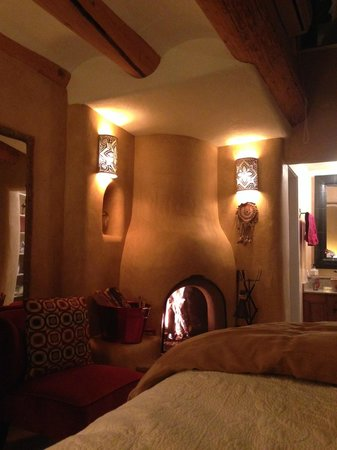 Ravens Ridge: Most romantic room on the planet? Hands down.