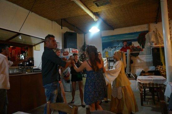 Marc Aggelos Studios: Санторини Периволос ресторан Метеора