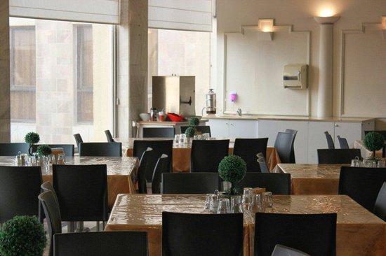 Diplomat Restaurant: .