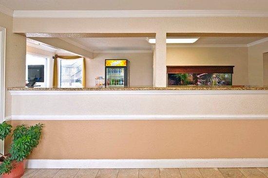 Americas Best Value Inn-Garland/Dallas: Front Desk