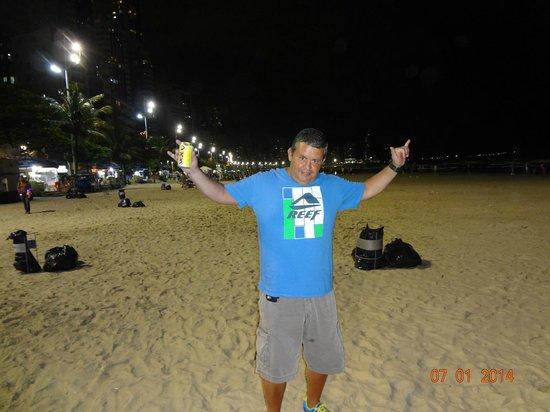 Camboriu Praia Hotel: Playa Camboriú de noche