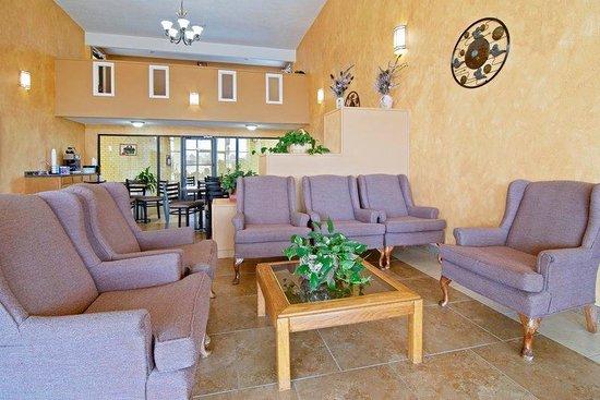 Americas Best Value Inn and Suites Prescott: Lobby Area