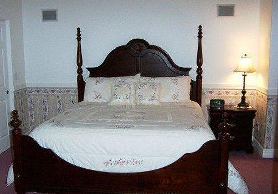 Judith Ann Inn: Elegant Suite - Corner