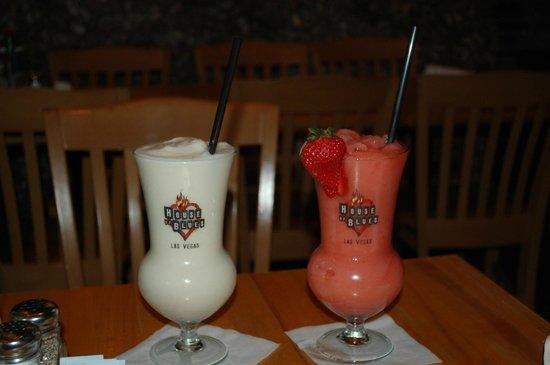 House of Blues Restaurant & Bar: A pina colada and a strawberry daiquiri.