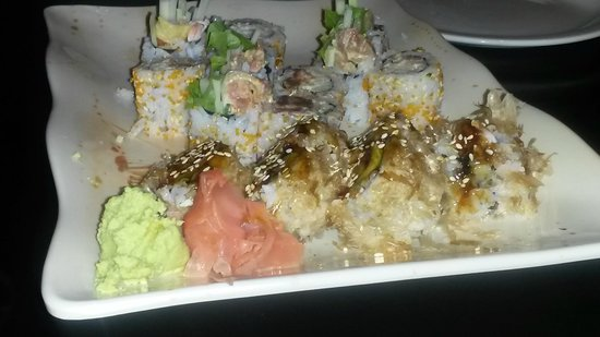Zen Restaurant : Array of sushi