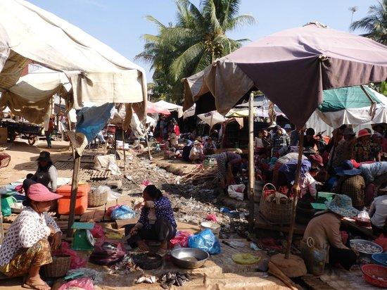 Siem Reap Urban Adventures: Country market