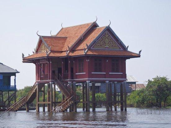 Siem Reap Urban Adventures: Temple on Ton Le Sap