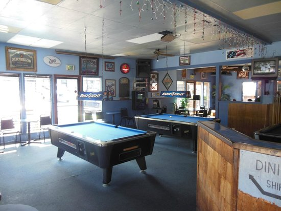 The Korner Pocket Bar & Grill: Set em up - local rules