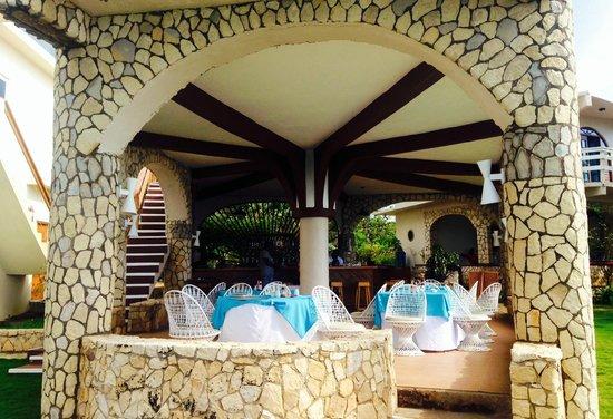 Home Sweet Home Resort: Outside Restaurant/Bar