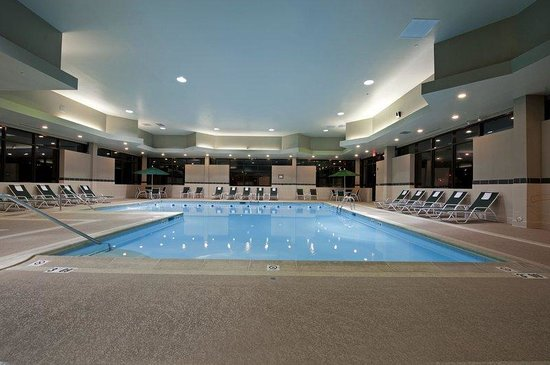 Swimming pool open year round for all hotel guests - Holiday inn hotels with swimming pool ...