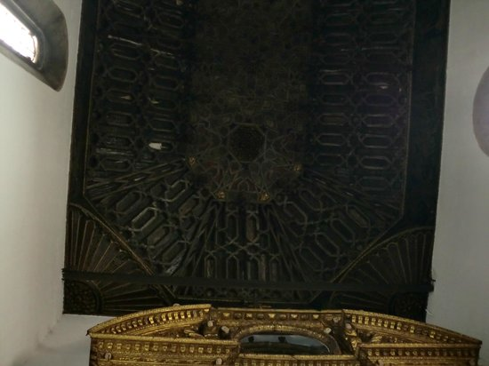 Cathedral Se: ROOF