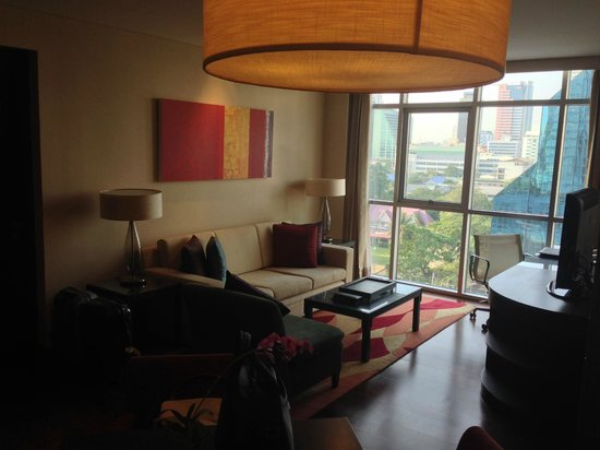 Sathorn Vista, Bangkok - Marriott Executive Apartments : Living area