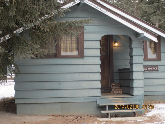 Rundle Cabins: Front View