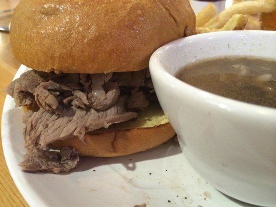 7B's Bar and Grill: French Dip