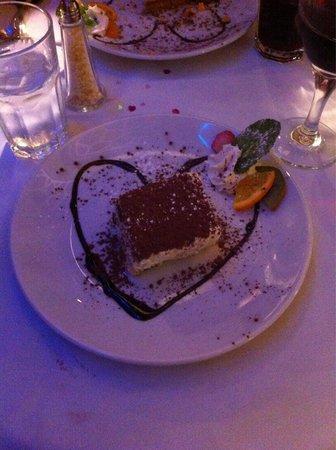 Portofinos Restaurant: Tiramisu on valentines day