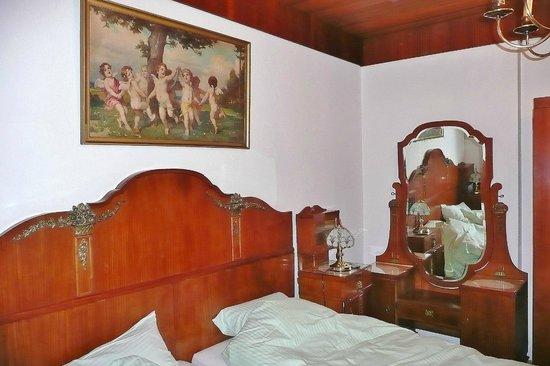 Gasthof Zur Post: Małżeńskie łoże