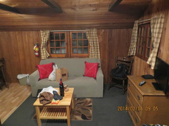 Rundle Cabins: living room area