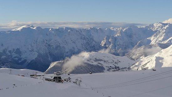 Hotel le Sherpa : Above Les Deux Alpes