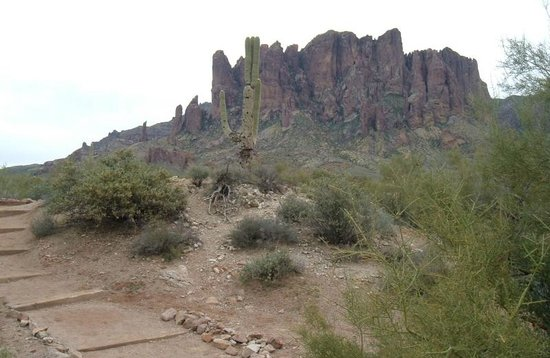 Lost Dutchman State Park: Walter Breenan made a 45 rpm record about this place.
