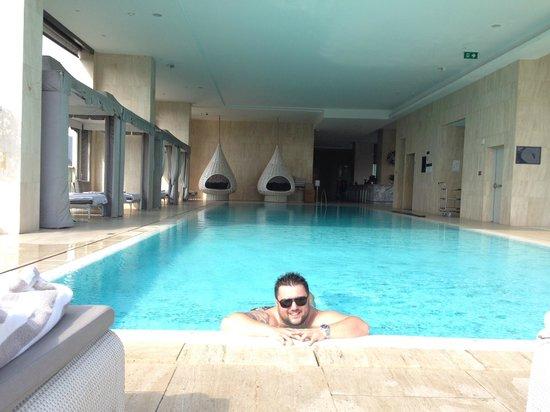 Oriental Residence Bangkok: Pool side