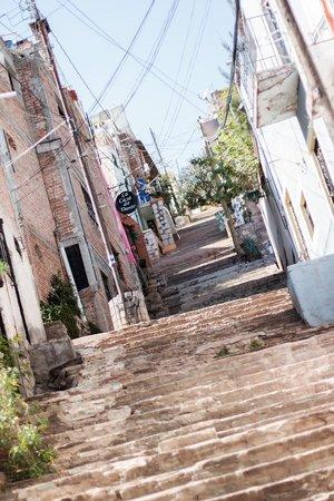 Casa de Dante Hostel: Subiendo hacia el Hostel