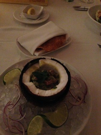 "DC Coast Restaurant : ""Poisson Cru"" tuna tartare"