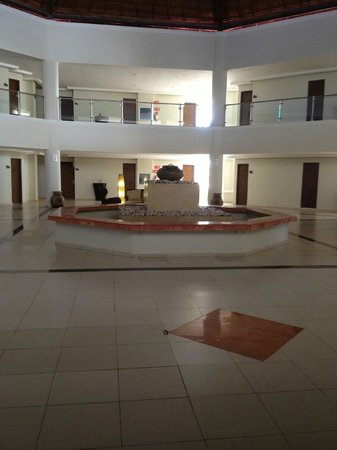 Isla Mujeres Palace: Hotel Area