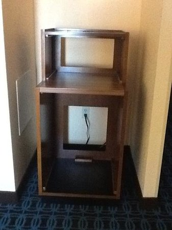 Fairfield Inn Laurel : Empty Microwave/Fridge Stand