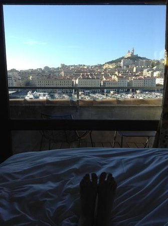 Residence du Vieux Port : The view from my bed on the top floor ... and yes those are my feet