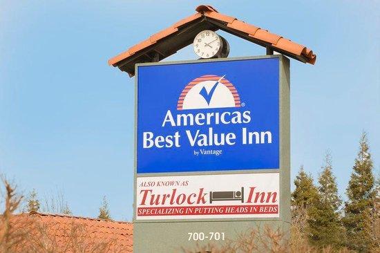 Americas Best Value Inn- Turlock Inn : Exterior