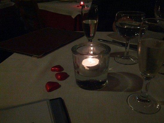 Il Diavolo E L'Acqua Santa : San Valentino a lume di candela