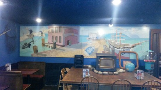 Pizza Harbor: interior shot of the mural on back wall