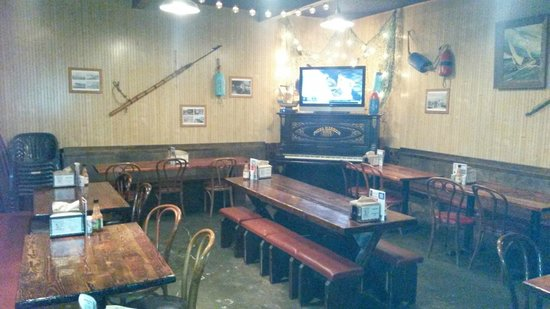 Pizza Harbor: back room