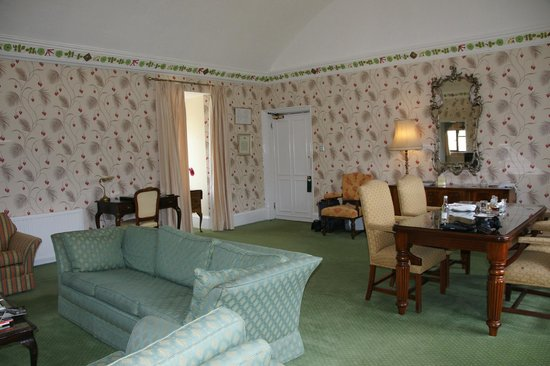 Eastwell Manor - Countess of Middleton Room