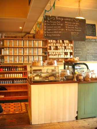 Priory House: 100 Monkeys Cafe (Trish's well-deserved suggestion!)
