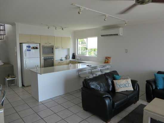 Bali Hai Apartments Noosa: View from front door looking to the right