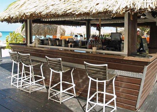 Amsterdam Manor Beach Resort: Beach Bar at the Amsterdam Manor