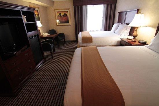 holiday inn express paramus nj omd men och. Black Bedroom Furniture Sets. Home Design Ideas