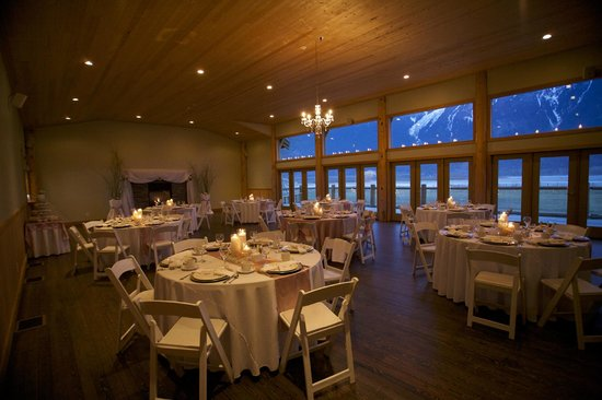 Fraser River Lodge: The dining room ready for The Reception