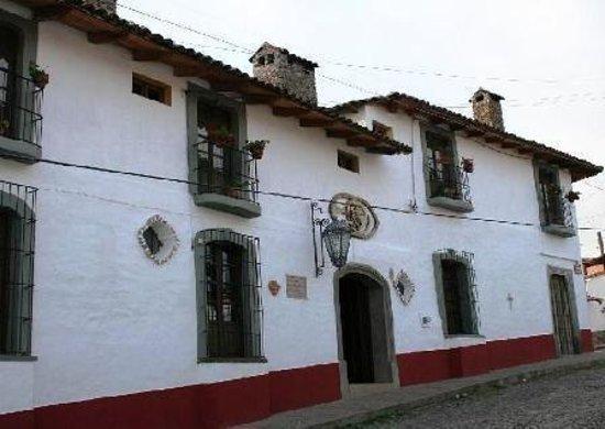 Hostal Casona de Manzano : Exterior