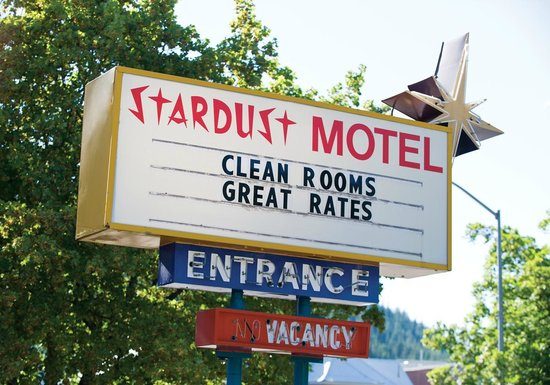 The Stardust Motel: Clean Rooms Great Rates