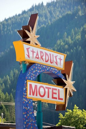 The Stardust Motel: Stardust Motel